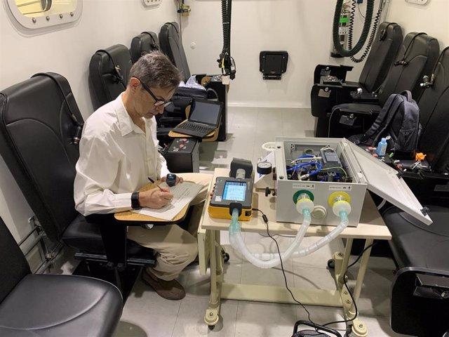 Andalucía Respira realiza un ensayo de simulación a 5.000 metros en una cámara hipobárica del Ejército del Aire