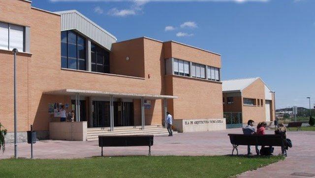 Edificio Ronda de la EUPLA, en La Almunia