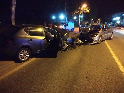 Tres heridos en Sant Antoni tras una colisión frontal de dos turismos
