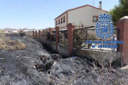 Detenidos los autores del incendio provocado en la calle Columnas de Hellín