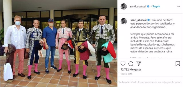 Captura de la imagen compartida por el presidente de Vox, Santiago Abascal, en Instagram junto a Morante de la Puebla