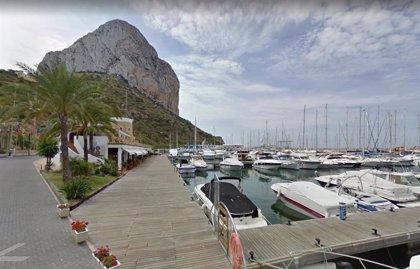 Llega una patera a Calp (Alicante) con cinco migrantes a bordo