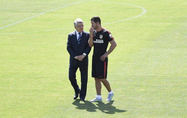 """Fútbol.- Cerezo: """"El que discuta las alineaciones a Simeone, que se compre un eq"""