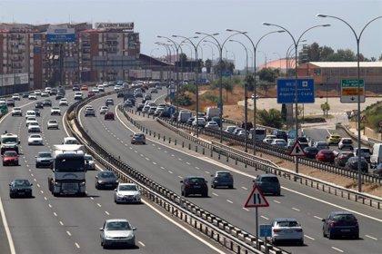 Varios accidentes y un incendio complican la circulación en Andalucía, Valencia, Burgos y Guipúzcoa