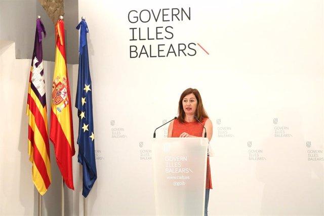 La presidenta del Govern, Francina Armengol, en comparecencia en Consolat de Mar.