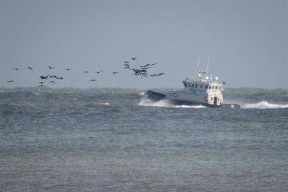 La Marina de Francia rescata a 38 migrantes que trataban de cruzar el canal de la Mancha