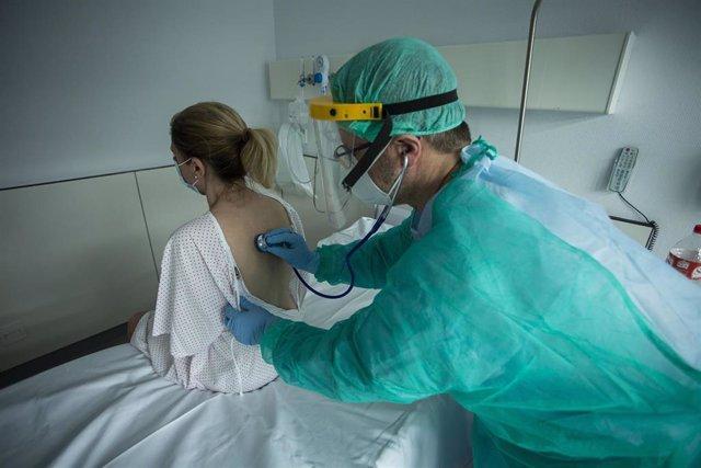 Médico y paciente en Valdecilla
