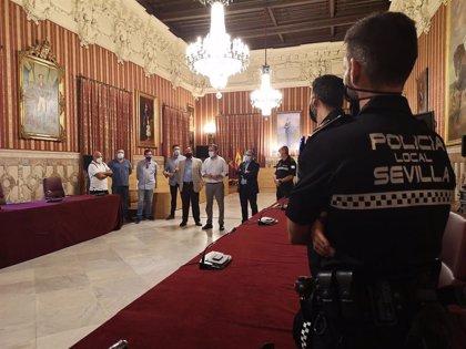 Nuevos agentes de Policía Local de Sevilla para reforzar la unidad de proximidad en los distritos Macarena, Este y Sur