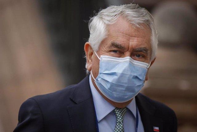 El ministro de Salud de Chile, Enrique Paris