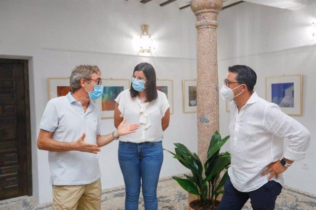 La Diputación lleva 'La Chanca en color', de Carlos Pérez Siquier, a Laujar de Andarax