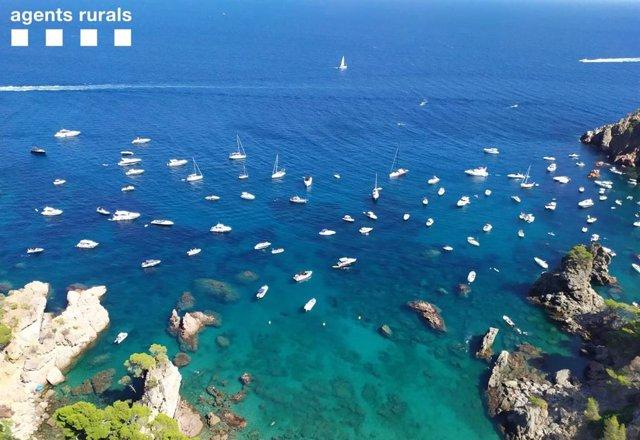 Mossos d'Esquadra i Agents Rurals s'uneixen per controlar les zones marítimes de Girona