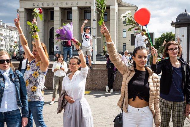 Bielorrusia.- Cientos de personas rinden homenaje en la ciudad bielorrusa de Gom