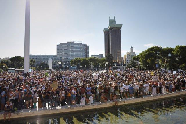 Manifestación contra el uso obligatorio de las mascarillas