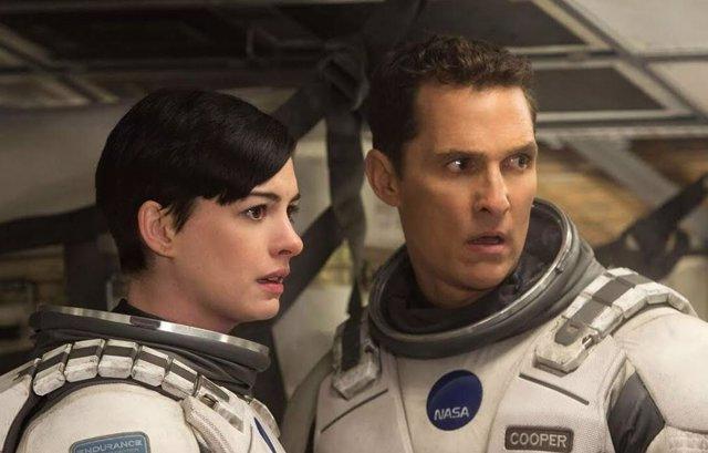 Anne Hathaway y Mathew McConaughey, protagonistas de Interstellar
