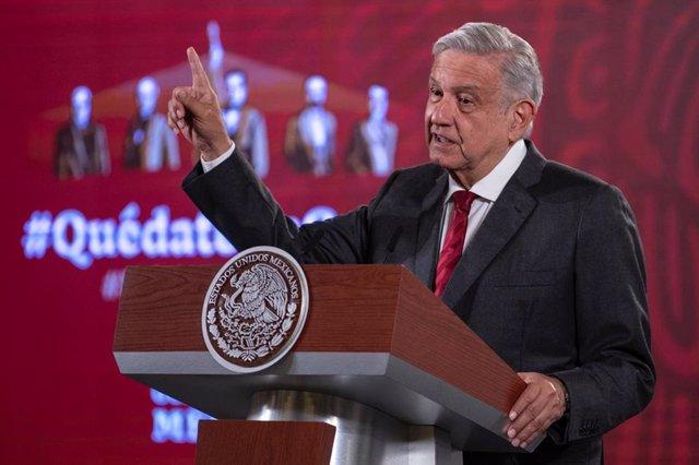 Coronavirus.- López Obrador dice que será el primero en vacunarse contra el coro