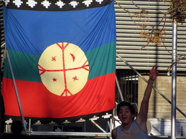 Chile.- Comuneros mapuche se manifiestan en Chile en apoyo a un líder detenido q