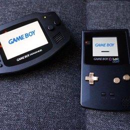 Retrohackers: así fabrican desde cero videoconsolas clásicas como Game Boy