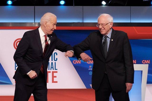 Joe Biden y Bernie Sanders durante el debate celebrado en marzo de 2020, durante carrera del Partido Demócrata para encontrar un candidato a la Casa Blanca.