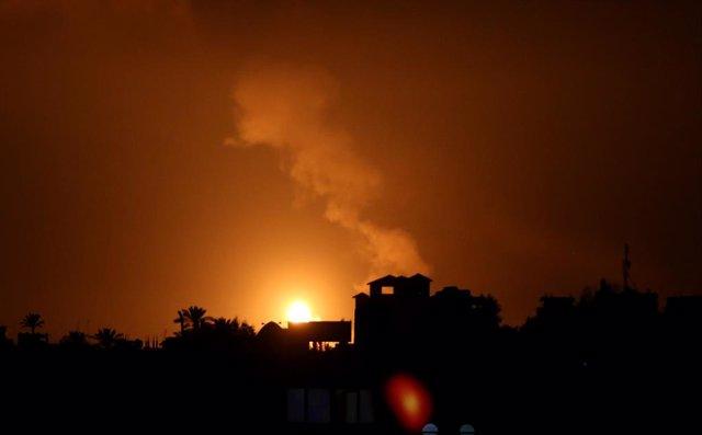 O.Próximo.- Israel bombardea Gaza por séptimo día consecutivo en respuesta al la