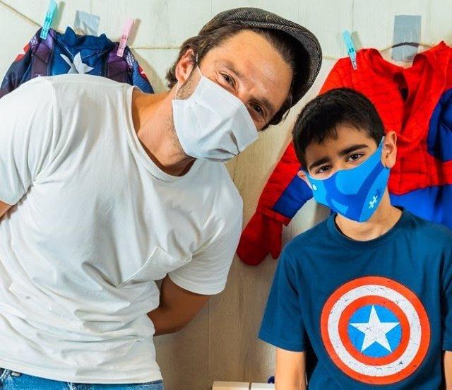 El actor Sebastian Stan visita la Residencia NUPA
