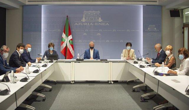 El lehendakari, Iñigo Urkullu, preside la reunión del consejo asesor que le asiste como director único dl plan de Protección Cicil de Euskadi