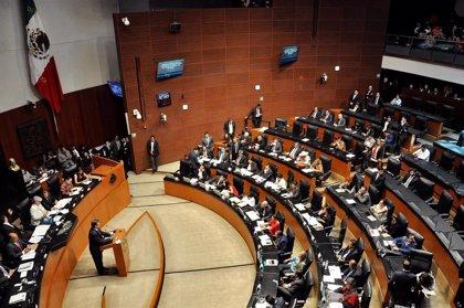 México.- Escándalo en México por un vídeo en el que ex empleados del Senado reciben bolsas de dinero