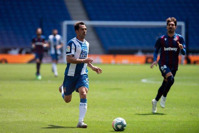 Fútbol.- Víctor Sánchez rescinde su contrato con el Espanyol