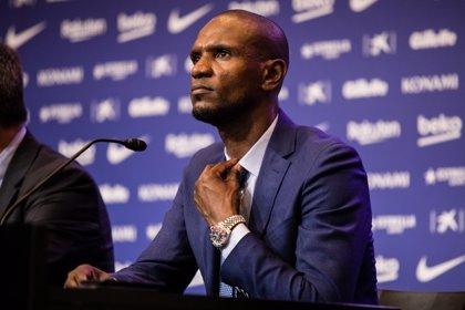 Abidal rescinde su contrato con el Barcelona