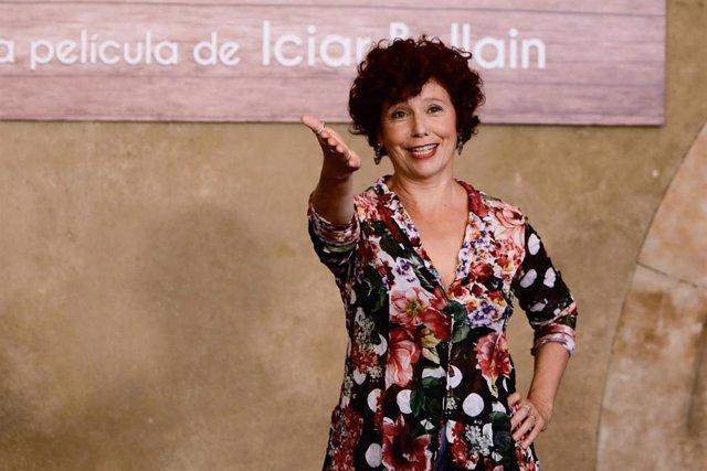 La actriz y directora, Icíar Bollaín, posa en el photocall de la presentación de la película de la que es directora, 'La boda de Rosa'