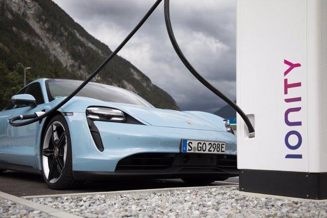 Porsche Taycan (Ionity)