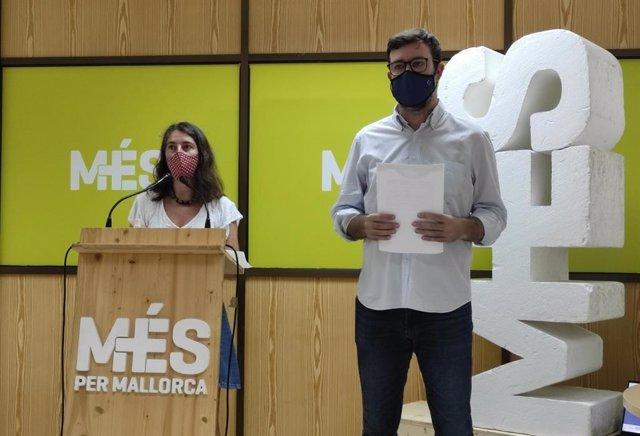 Los dirigentes de MÉS per Mallorca Neus Truyol y Antoni Noguera