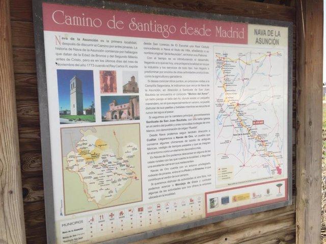 Señalización del Camino de Santiago a su paso por Nava de la Asunción.
