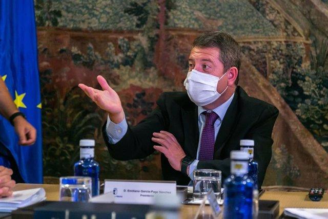 El presidente de C-LM, Emiliano García-Page, en el Consejo de Gobierno.
