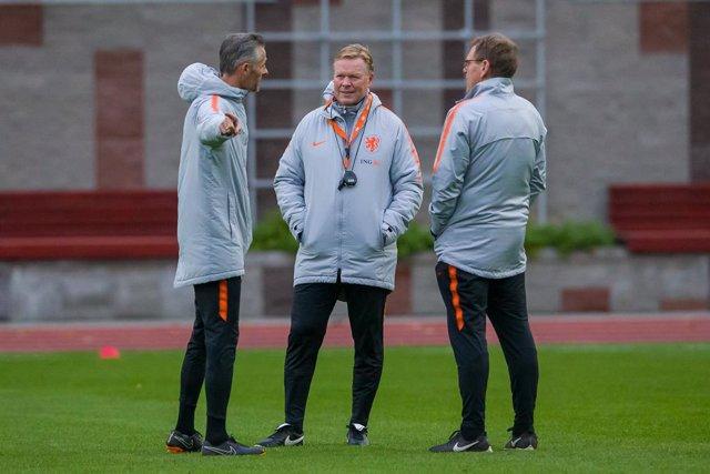Fútbol.- Dwight Lodeweges, seleccionador interino de Países Bajos tras la salida
