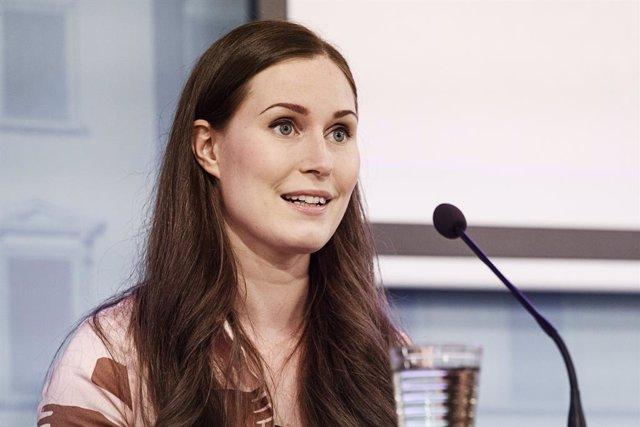 Coronavirus.- La primera ministra de Finlandia da negativo pero opta por seguir