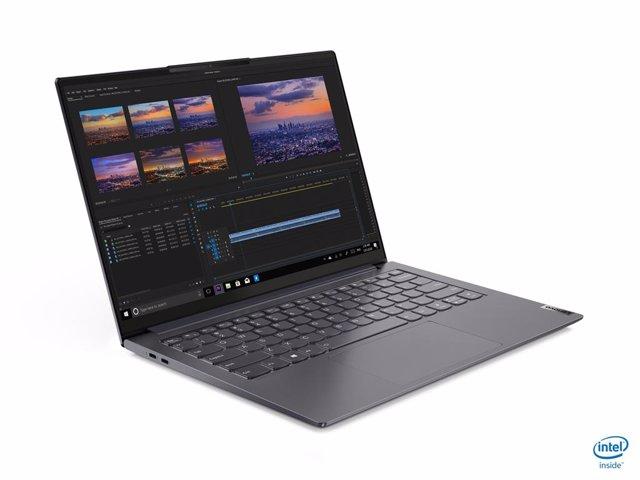 Lenovo renueva su familia de portátiles ligeros Yoga Slim, con procesadores hast
