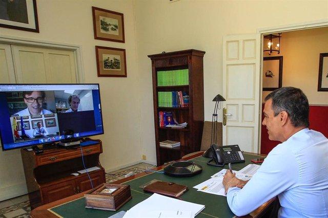 El presidente del Gobierno, Pedro Sánchez, preside, mediante vídeoconferencia, la reunión del Comité de Seguimiento del Coronavirus.