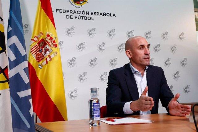 Fútbol.- Rubiales y García Caba presentan una querella contra Praena por un deli