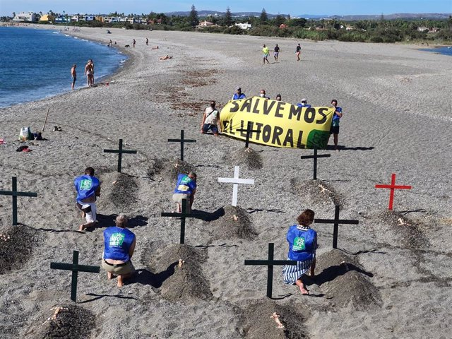 Protesta de Ecologistas en defensa del litoral en Sotogrande