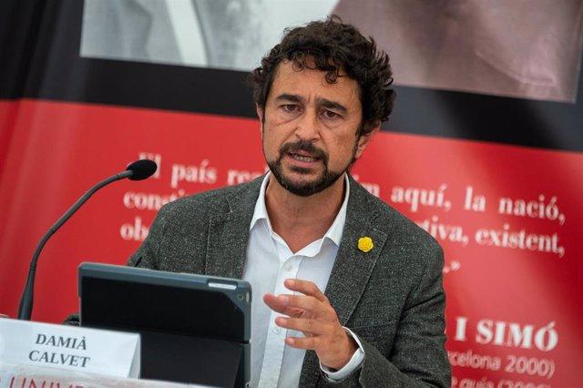 El conseller de Territorio y Sostenibilidad de la Generalitat, Damià Calvet, durante la conferencia 'Agenda verde, agenda nacional' en la 52ª edición de la UCE