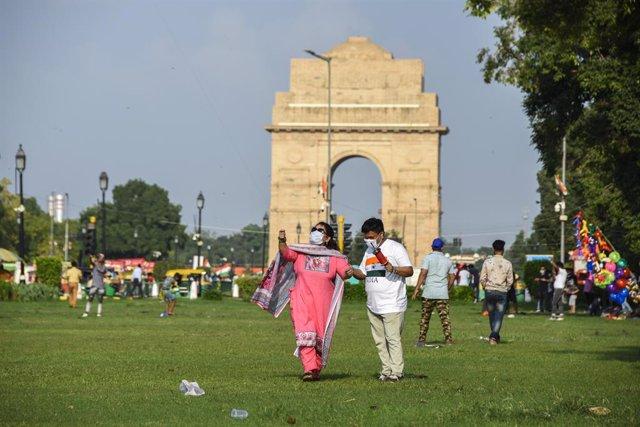 Coronavirus.- India rebasa los 2,8 millones de casos tras un récord de más de 69