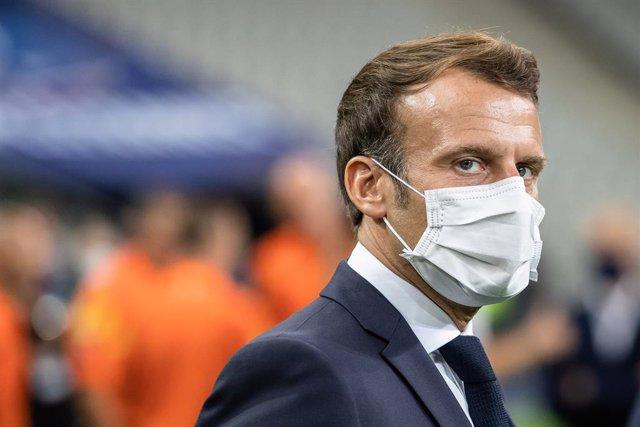 """Coronavirus.- Macron descarta un confinamiento masivo en Francia por los """"daños"""