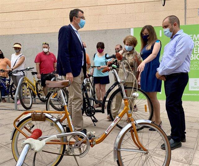 Presentación del proyecto 'Recicleta', una iniciativa solidaria del Ayuntamiento de Murcia