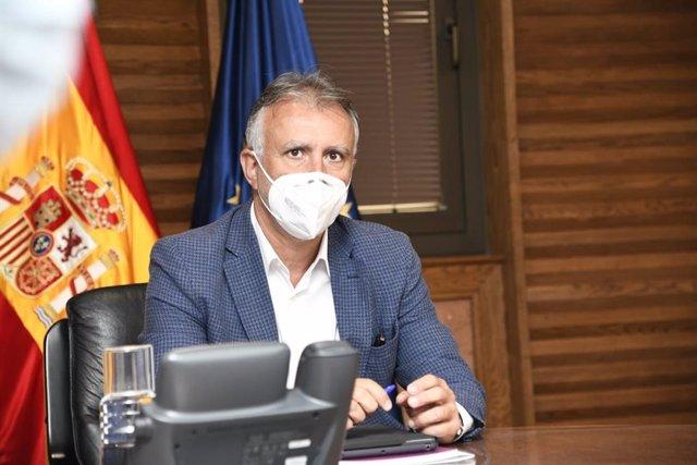 El presidente del Gobierno de Canarias, Ángel Víctor Torres, en el consejo de gobierno extraordinario para analizar la evolución de la pandemia en agosto