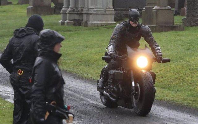 El rodaje de The Batman con Robert Pattinson se reanudará en septiembre
