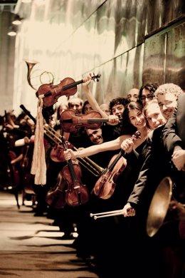 El ensemble de música antigua 'Al Ayre Español', dirigido por Eduardo López Banzo, actúa en  Hecho (Huesca).