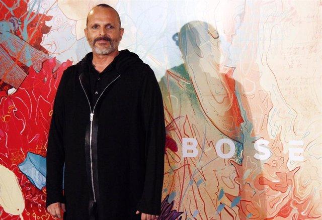 El artista Miguel Bosé