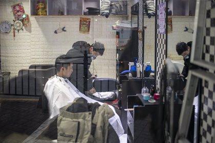 Coronavirus.- China registra un repunte de casos importados, mientras siguen los efectos de los rebrotes en Hong Kong