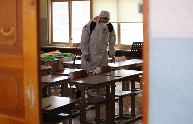Coronavirus.- Corea supera los 300 casos diarios en medio de una huelga de médic