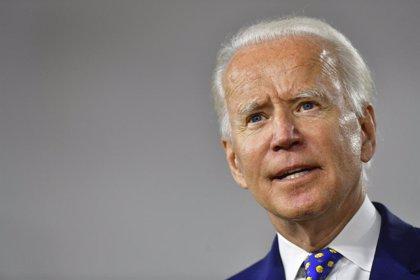 """VÍDEO: EEUU.- Biden asume candidatura a la Casa Blanca afirmando que traerá """"la luz"""" al """"periodo de oscuridad"""" de Trump"""